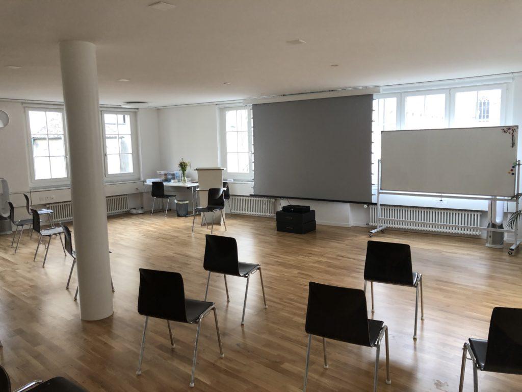 Meetings und Seminarraum Saal Grossmünsterplatz 6 zentral in Zürich bestuhlt